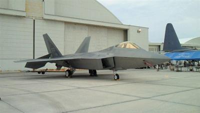 ステルス戦闘機のF22
